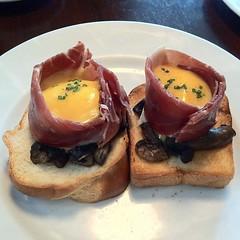 hors d'oeuvre, meal, lunch, breakfast, brunch, meat, food, full breakfast, dish, cuisine, toast,