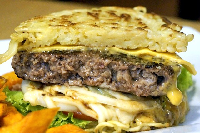 javries restaurant gurney paragon Penang - ramen burger-009