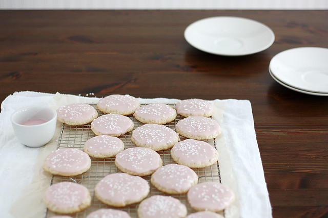 pink champagne cookies