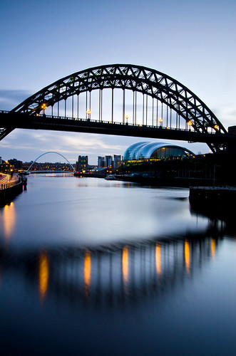 reflections newcastle sage tyne tynebridge milleniumbridge predawn rivertyne tyneandwear