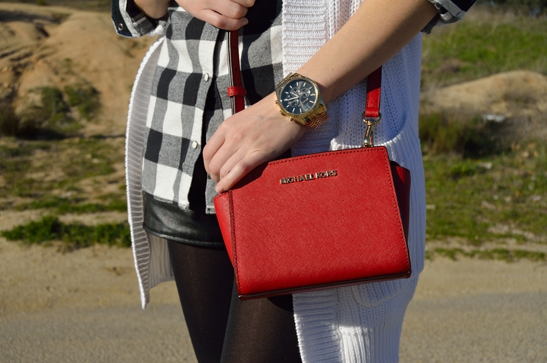 lara-vazquez-madlula-blog-fashion-red-bag-trends-michael-kors
