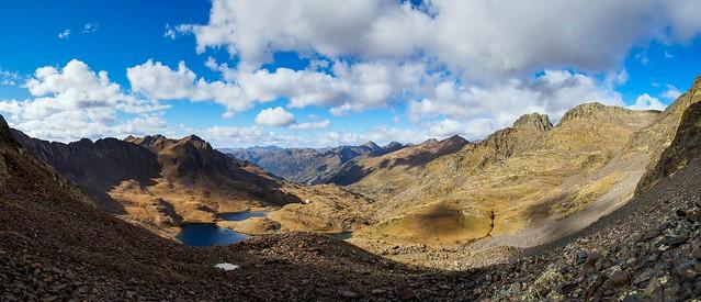 Das Baiau Tal- 2665 m- mitte die Refugio (weisser Punkt)