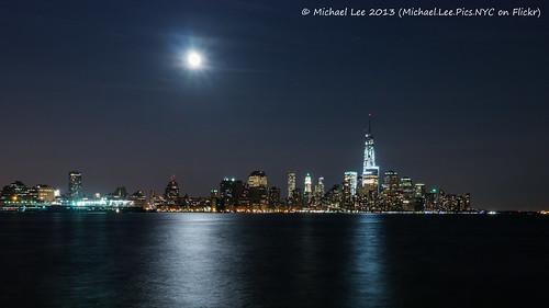 Supermoon and Lower Manhattan (P1680405)
