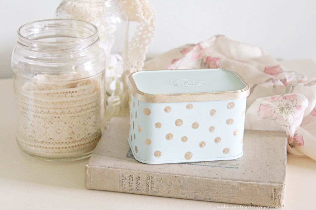 gold polka dot tin