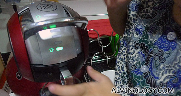 A two-year-old can operate the Dolce Gusto Melody Automatic