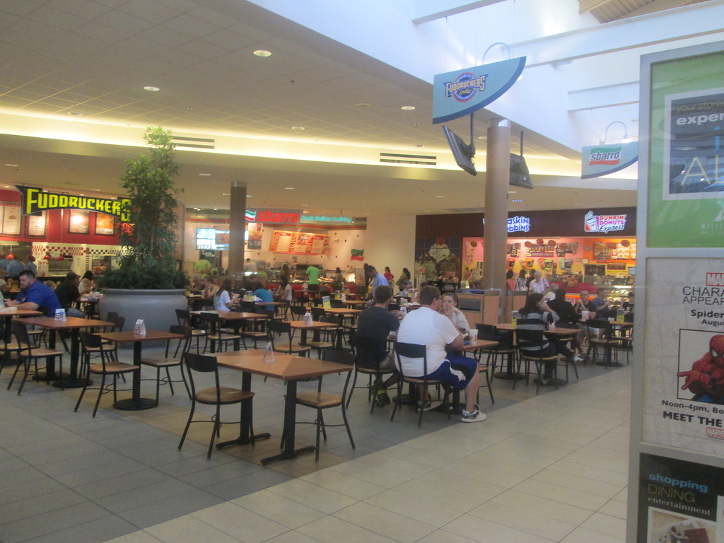 Millcreek Mall 11 The Food Court Area Is New There Used Flickr