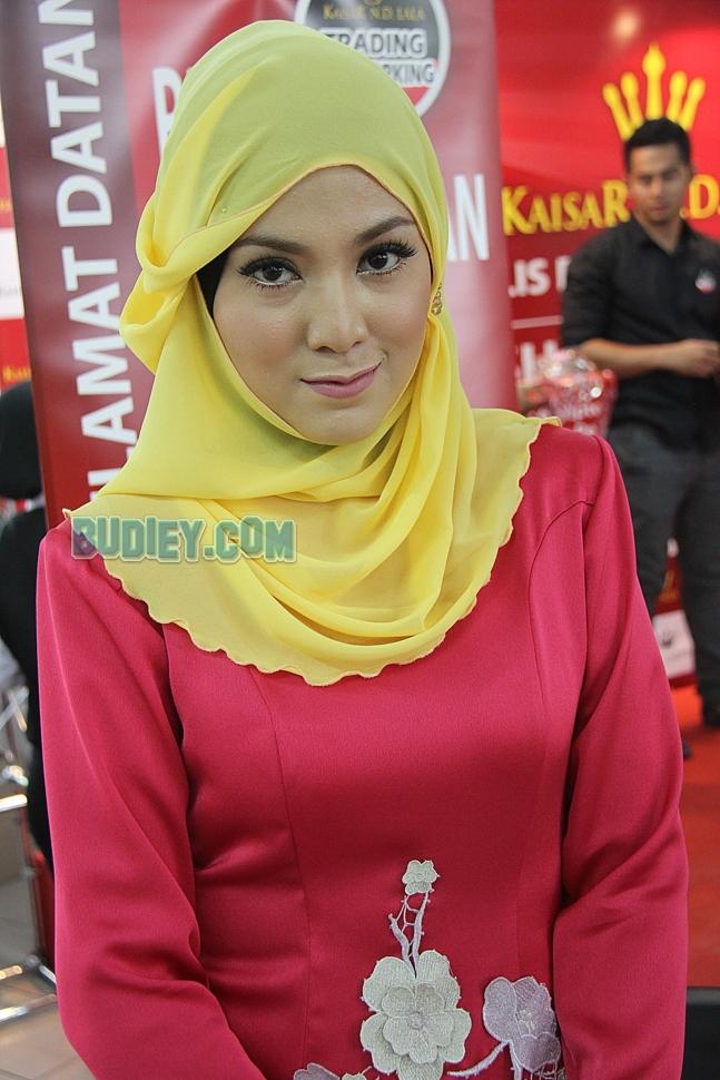 Shila Amzah ND Lala Syada