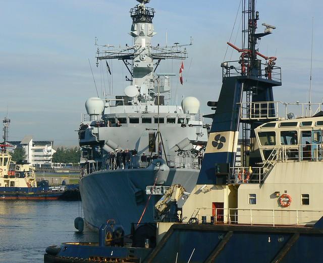 Svitzer Tugs @ KGV Dock 15-09-13