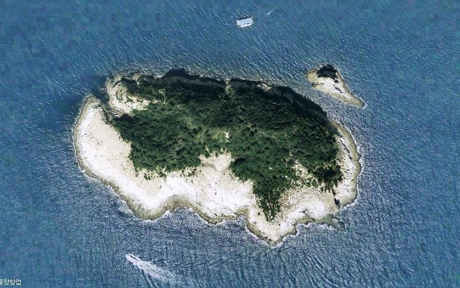 island satellite 2