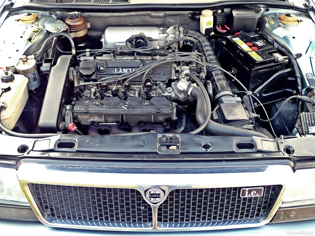 lancia thema 1989 2.0 i.e. engine bay | vancello.hu | flickr