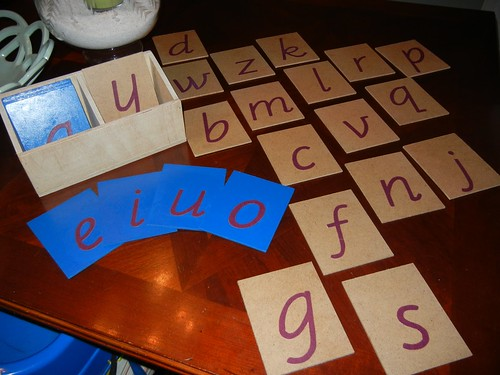 DIY D'Nealian Sandpaper Letters (Photo from Making Montessori Ours)