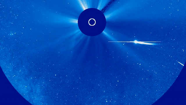 What is a Sungrazing Comet? [hd video]
