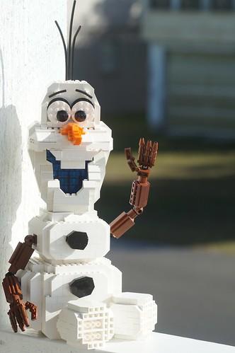 Disney's Frozen Olaf MOC | Brick Fanatics