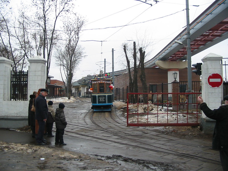 moscow tram BF 932 _20031231_003