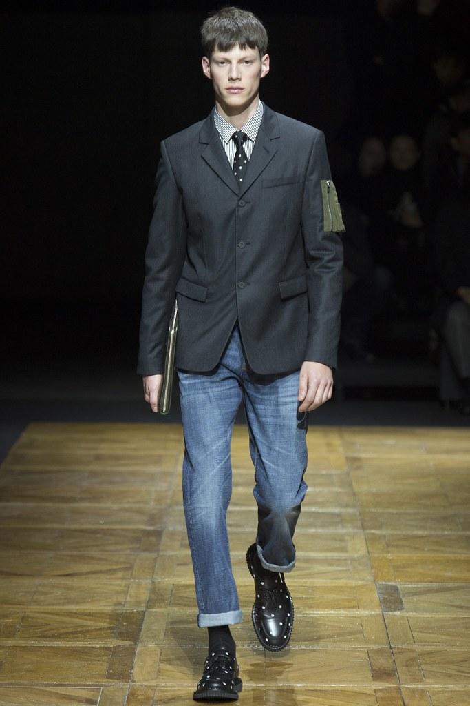 FW14 Paris Dior Homme024_Nemanja Maksic(VOGUE)