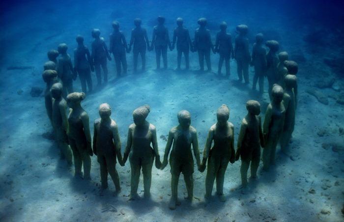 Underwater Museum: The Silent