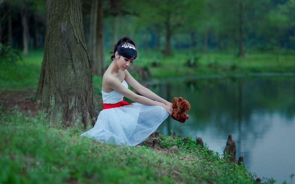Beautiful Girl Waiting For You Ashriya Sharma Flickr