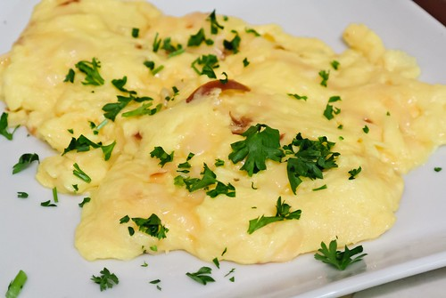 Eggs Scrambled with Gouda Cheese