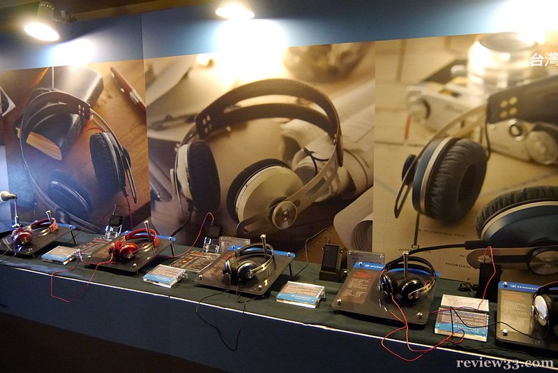 AKG 亦展出多款耳筒,小編試了數款,效果超值