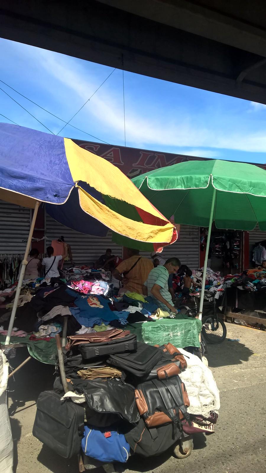 Торговые улицы в районе парка Enriquillo