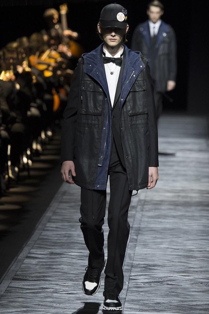 FW15 Paris Dior Homme010_Gustav Fog(VOGUE)