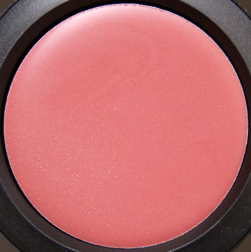 MAC red obsessed casual color2