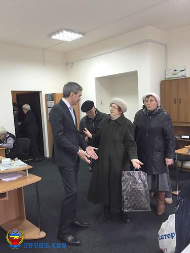 И.о. председателя Запорожской областной организации Партии пенсионеров Украины В.В.Фоменко ведет личный прием (2)