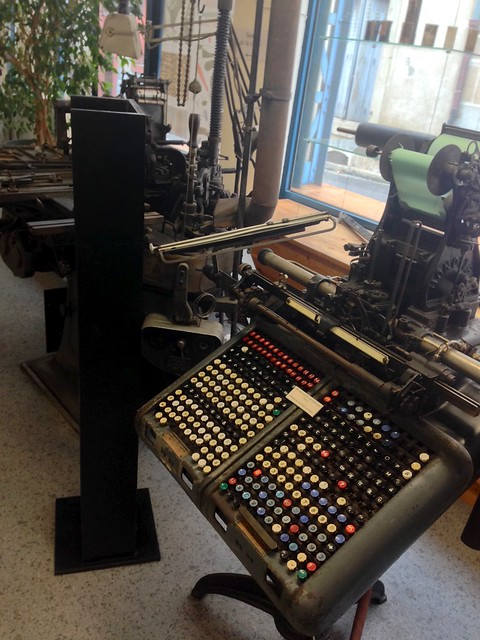 Typesetting Machine
