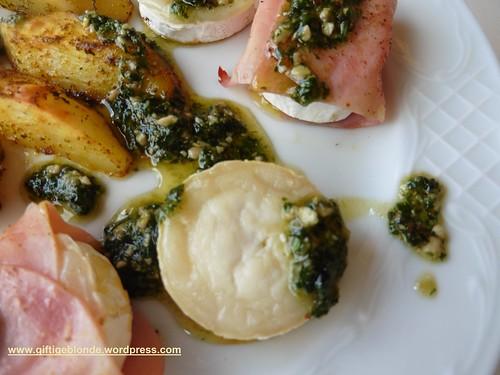 Radieschen - Maggikraut Pesto mit Ziegenkäse und Backofenerdäpfel