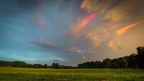 gewitter blitze donner unwetter wolken livecomposite olympus em5markii mzuiko714mmf28pro northern germany ohlenstedt niedersachsen norddeutschland natur landschaft aufnahme lightning thunder bremsen