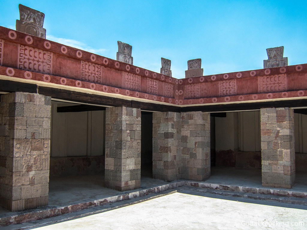 Patio de los Pilares (Patio of Pillars) located in the Quetzalpapalotl Palace