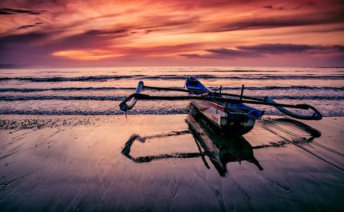 seascape tourism beach sunrise indonesia landscape boat nikon westjava tamron 1750mm jawabarat ujunggenteng d7000