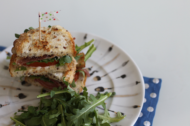 Summer Recipe: BLT with arugula and homemade garlic aïoli