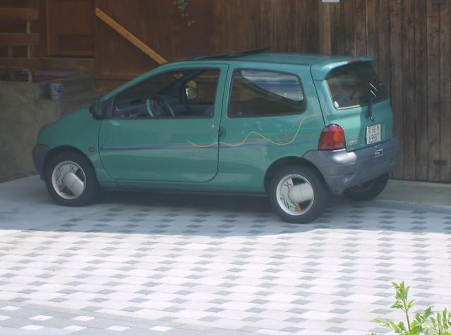 dictionary english romanian vehicles under escort