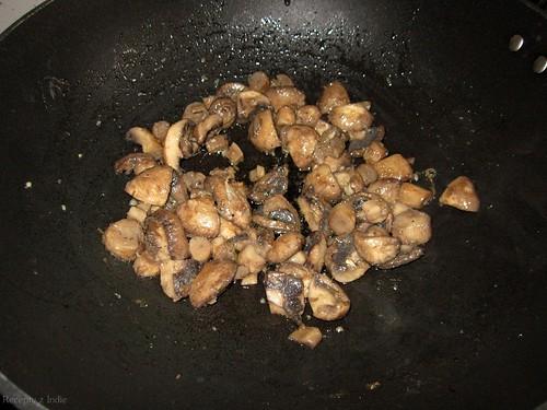 22malai mushroom matar a sadenie hub 008