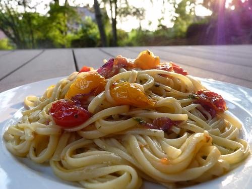 linguine aux tomates cerise et huile de basilic