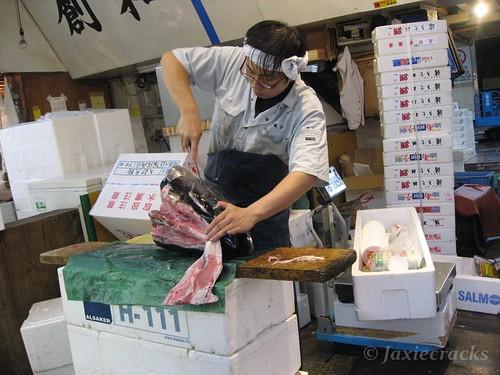CarvingFishHead