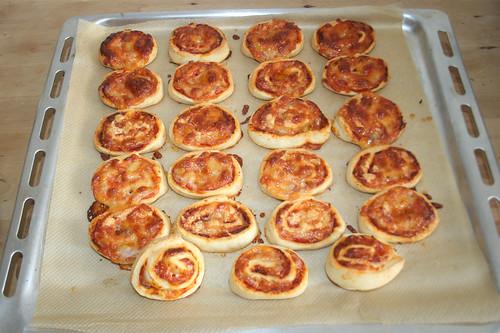 16 - Fertig gebacken / Finished baking