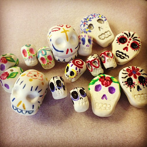 This happy little bunch of #dayofthedead #polymerclay  #sugarskull #artbeads for #handmade #jewelry are now available in my #etsy shop! www.elysianartalacarte.etsy.com