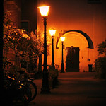 Obraz Chinatown. street door red amsterdam night lights europe empty bikes bicycles dewallen
