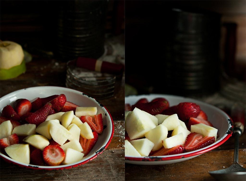 Festive Strawberry Apple Almond Crumble