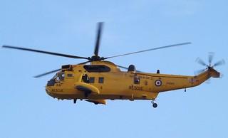 RAF Sea King HAR3A ZH543 (1) @ Gallions Reach 12-11-13