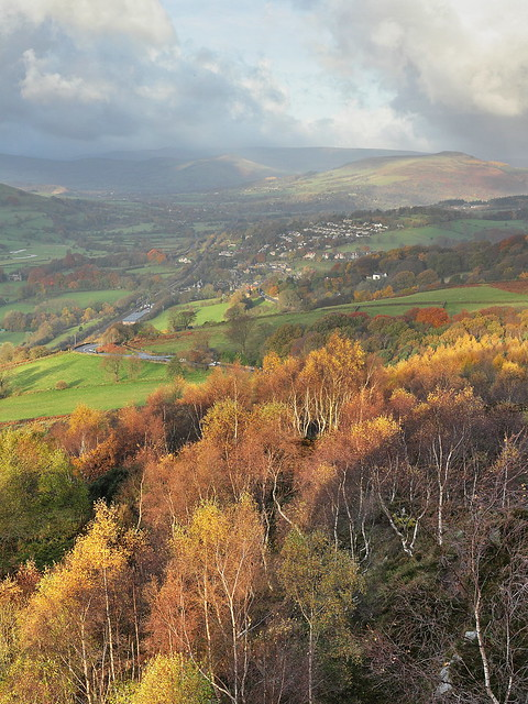 A landscape photo of the Hope Valley in the Derbyshire Peak District