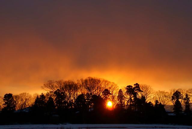 写真_いつになくオレンジ色の朝