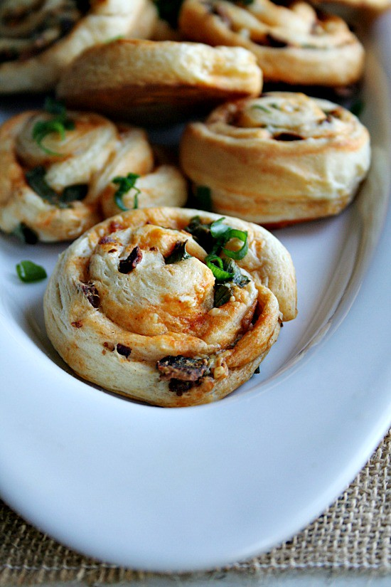Buffalo Style Pinwheels with Bacon and BlueCheese