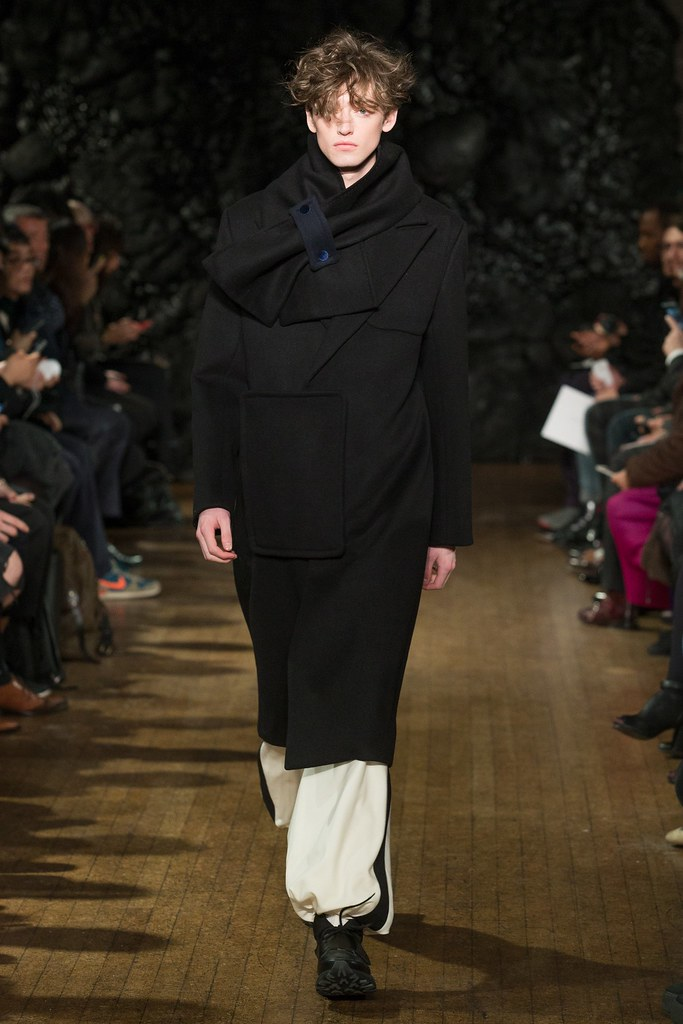 FW14 London Xander Zhou029_Ben Waters(VOGUE)