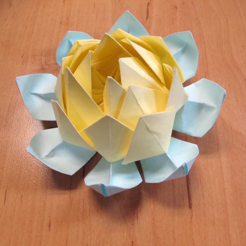 วิธีการพับกระดาษเป็นดอกบัวแบบแยกประกอบส่วน 025