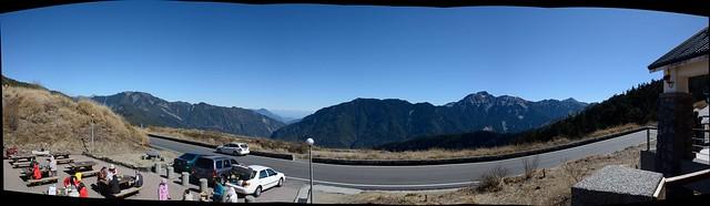 合歡山遊客中心的山景全貌圖