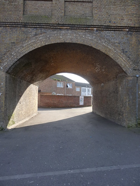 095 - Rail arch at Wanstead Park