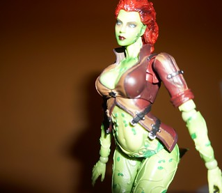 Poison Ivy Play Arts Kai